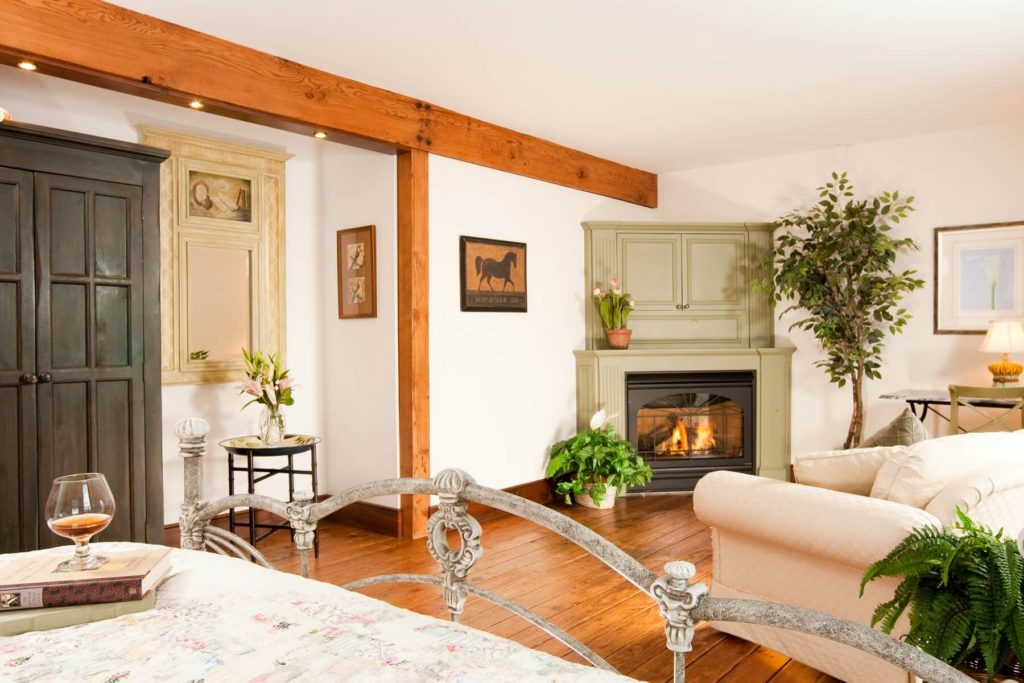 10 reasons to stay at our Bed and Breakfast near Mystic CT