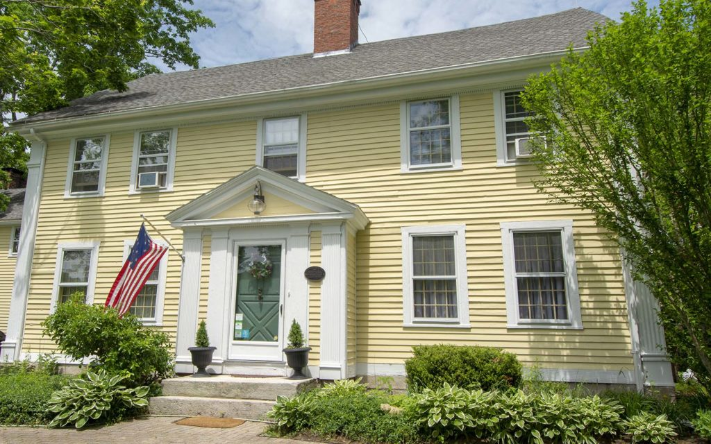 Stonecroft Inn a Bed and Breakfast In Mystic CT