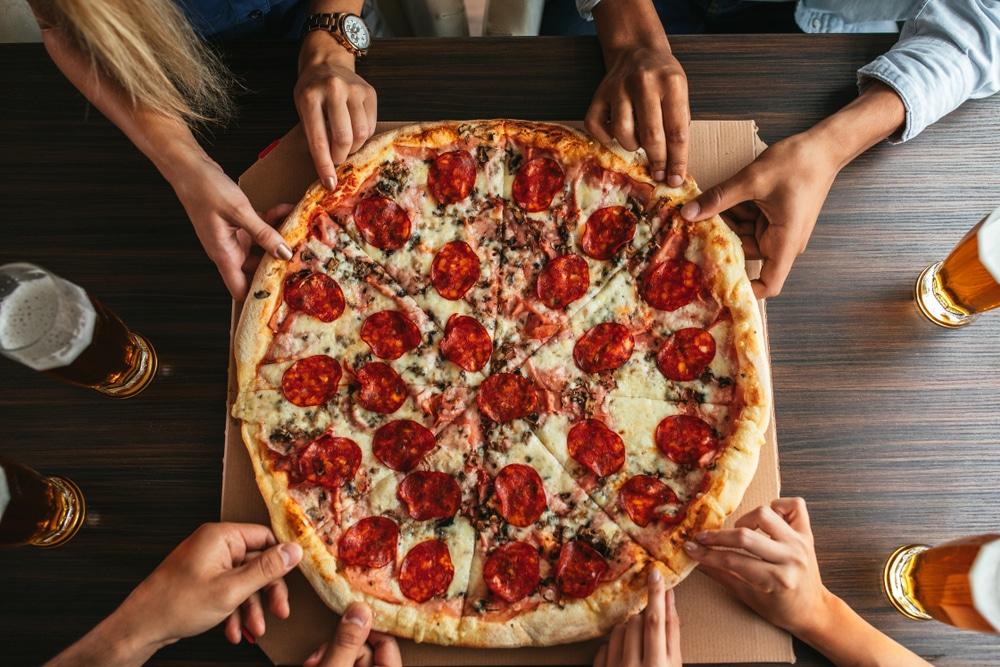 mystic pizza CT